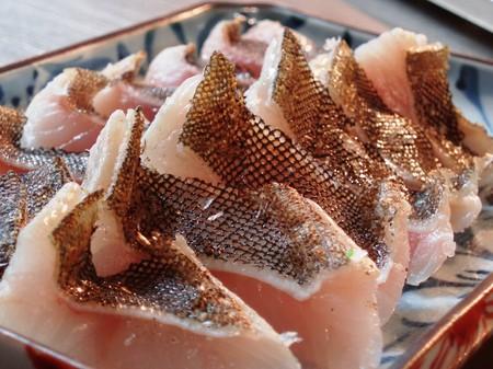 驚愕の美味しさ!!一生に一度は食べたい!!絶品!!アイナメの刺身のサムネイル画像