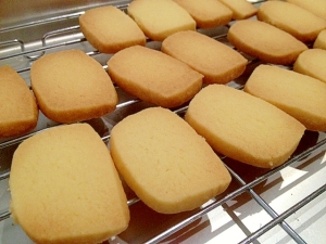 冷凍は禁物!?手作りクッキーの賞味期限と正しい保存方法ご紹介のサムネイル画像