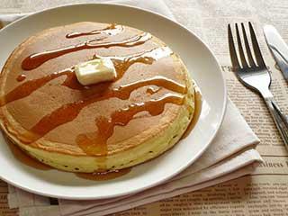 美味しいけど気になる!ホットケーキのカロリーとカロリーオフレシピのサムネイル画像