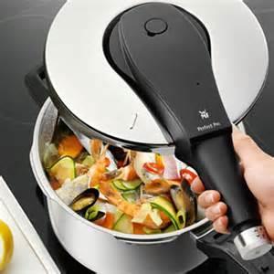 圧力鍋は爆発する!?こんな疑問は解消して、簡単お料理上手に!のサムネイル画像