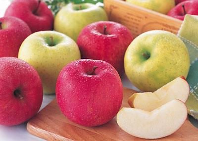 【りんごの健康効果】りんごを食べると、どんな健康効果があるの?のサムネイル画像