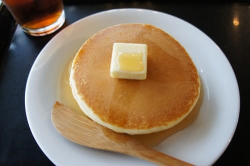 みんなの憧れ♪ふわっふわのホットケーキはフライパンで作れるのか?のサムネイル画像