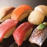安くて美味しい! 業界最大手の大型回転寿司チェーンのはま寿司。のサムネイル画像