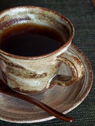 こんな使い方あったんだ!楽しくおしゃれなコーヒーカップの使い方のサムネイル画像