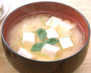 日本人のソウルフード味噌汁!大好きだけど塩分はどれくらい?のサムネイル画像