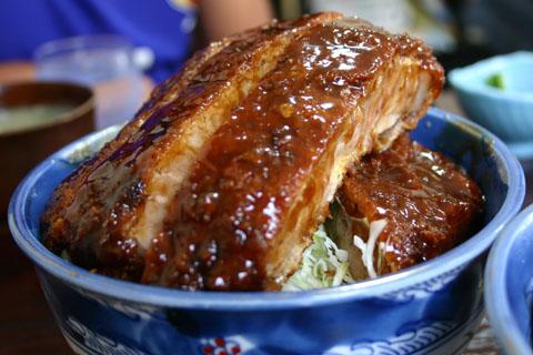 美味しいソースカツ丼が食べたい!我家のソースレシピから有名店までのサムネイル画像