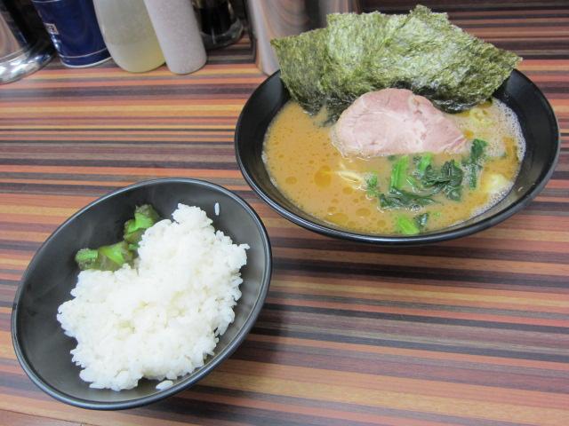 名古屋に来たら飯はこれだ!超厳選!美味しい有名家系ラーメン5選!のサムネイル画像