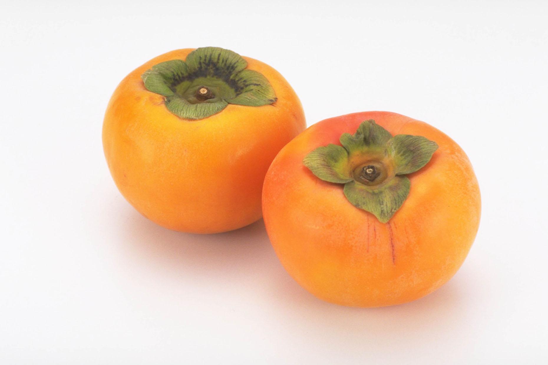 秋の味覚!甘くておいしい柿にも潜んでいた?!アレルギーの怖さ!のサムネイル画像
