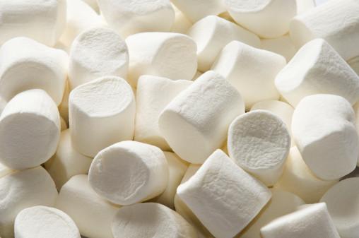 マシュマロの原料と、マシュマロを使ったレシピをご紹介しますのサムネイル画像