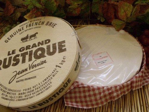 ワインのお供にピッタリ♪チーズの王様ブリーチーズの美味しい食べ方のサムネイル画像