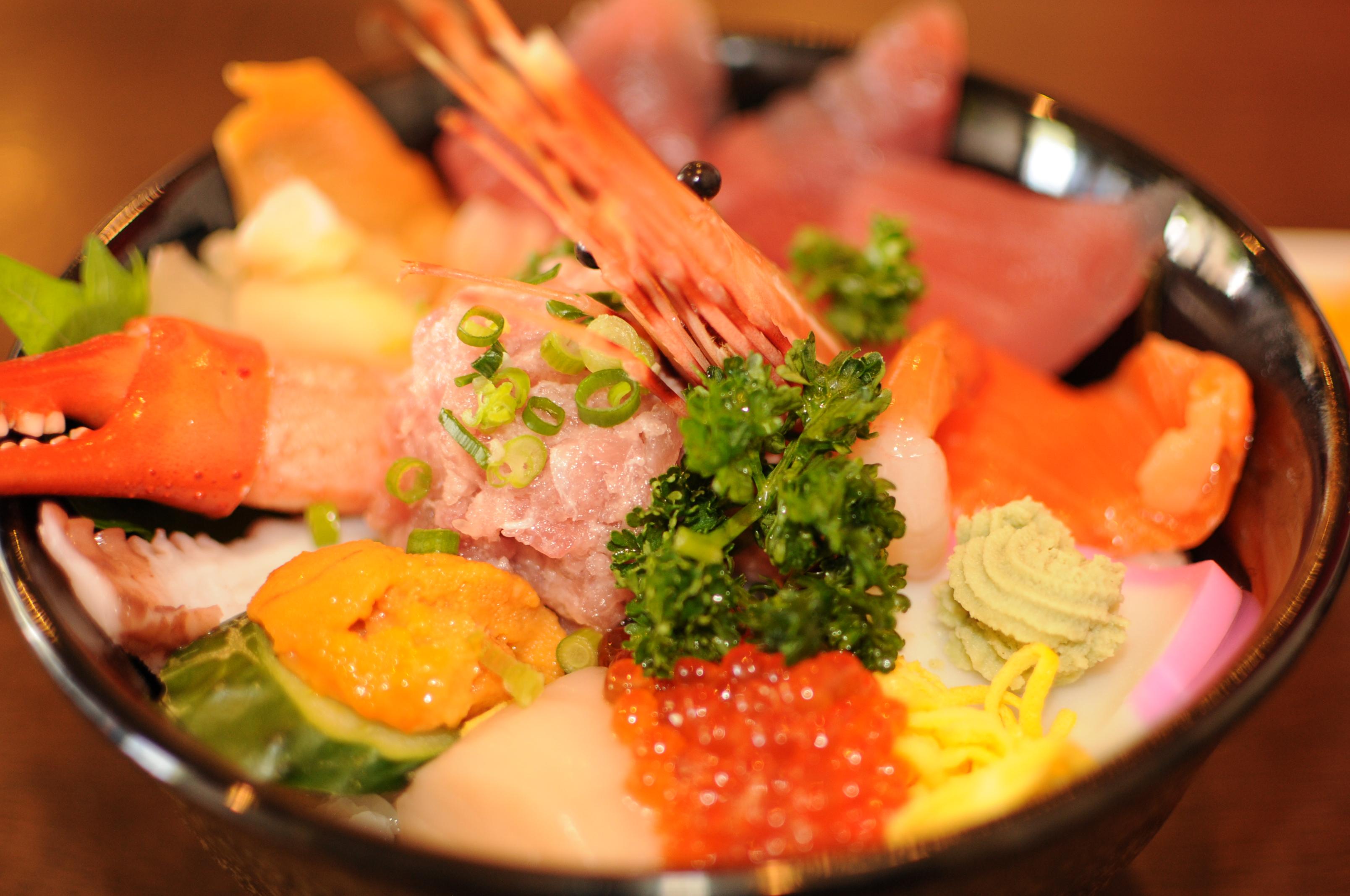 鳥取が水産で有名って知ってた?おいしい海鮮丼のお店をご紹介!のサムネイル画像
