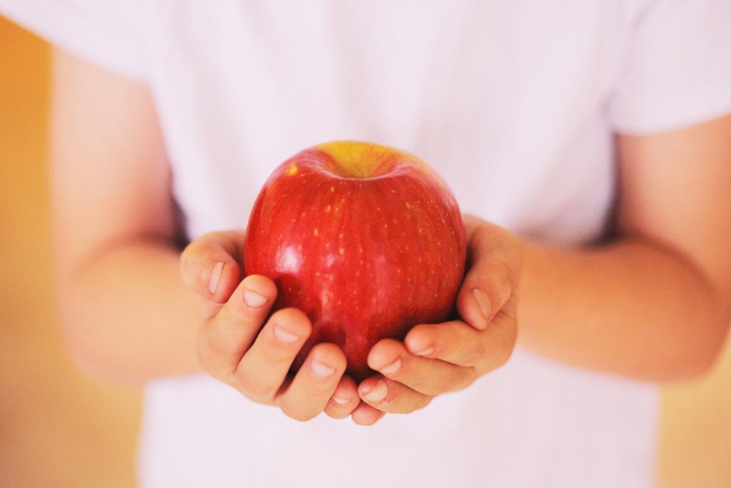 メタボ、便秘、老化防止に効果がある、美味しいりんごの食べ方とは?のサムネイル画像