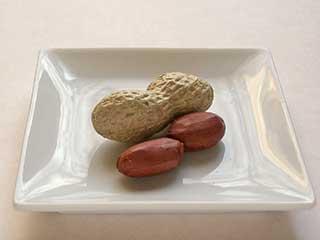 知らなかった!ピーナッツには含まれる栄養はこんなに体に良かったのサムネイル画像