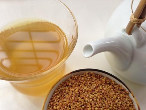 """飲んだことが無い人は必見!香ばしい""""そば茶""""の驚くべき効能とは?のサムネイル画像"""