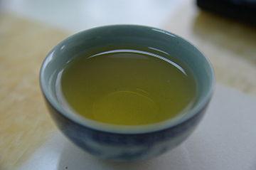昔から飲まれてきた緑茶は様々な効果アリ!緑茶の効果の全容とは?のサムネイル画像