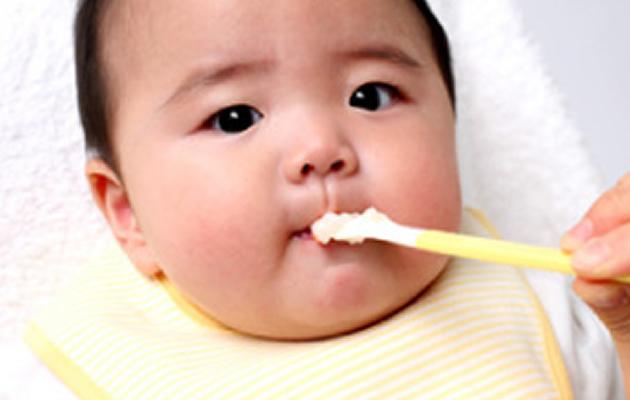 離乳食でうどんっていつから食べれるの?レシピも一緒に紹介しますのサムネイル画像