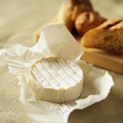 どうやって食べたらいいの?海外レシピで見る、ブリーチーズの食べ方のサムネイル画像