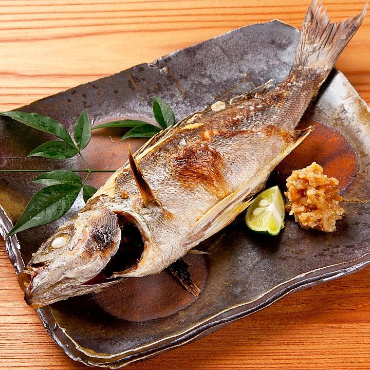 日本料理のマナー知らないと恥ずかしい!「綺麗な焼き魚の食べ方」のサムネイル画像