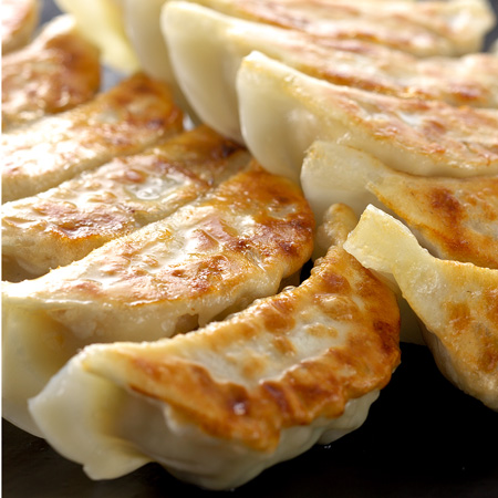 あなたは綺麗に焼ける?餃子の美味しい焼き方をご紹介しますのサムネイル画像
