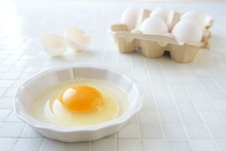卵についている小さな白いアレ…意外と知らない『カラザ』のことのサムネイル画像