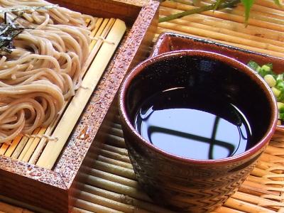 そばつゆは自家製がおいしい☆作り方は簡単!そばつゆレシピ教えますのサムネイル画像