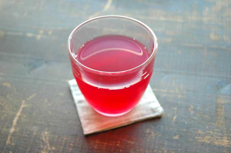 夏バテ防止!美味しくてとっても簡単な手作りしそジュースの作り方のサムネイル画像