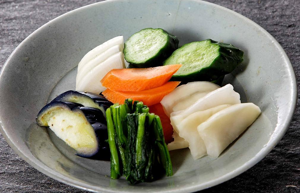 和食好き必見!毎日の食卓にプラスしたい、漬物の種類まとめのサムネイル画像