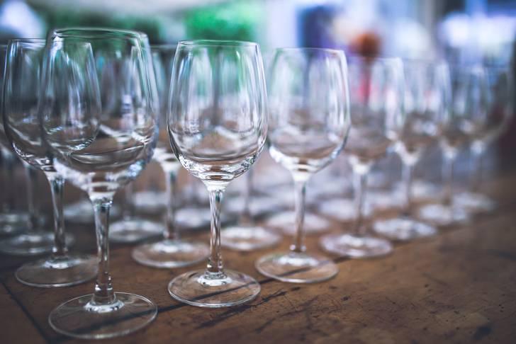 ワイングラスがプラスチック!?今どきのワイングラス事情が面白い☆のサムネイル画像