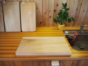 木製のまな板で料理上手に!木製のまな板の選び方・お手入れ方法の画像
