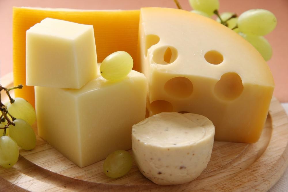 チーズはいつまで大丈夫?やっぱり賞味期限は守らないと危険なの?のサムネイル画像