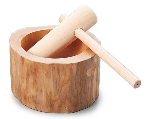 餅つきの杵(きね)の使い方を知って、餅つきに参加してみよう!のサムネイル画像