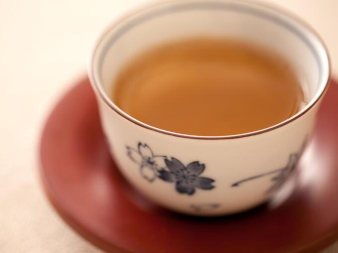 妊婦がほうじ茶を飲んでいいの? 気になるカフェインの影響は?のサムネイル画像