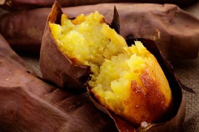 焼き芋のレンジ調理は、甘くておいしくできる便利な方法です!のサムネイル画像
