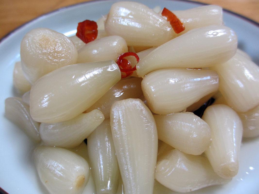 畑の薬で血液サラサラ!らっきょうの効果と食べ過ぎ要注意!のサムネイル画像