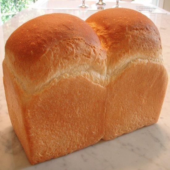 知ってるようで知らない?食パンの保存方法と賞味期限についてのサムネイル画像