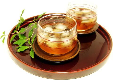 麦茶を飲んだらなんだか違和感?麦茶で起こるアレルギーを徹底調査!のサムネイル画像