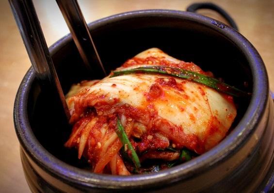 キムチは発酵食品!正しい賞味期限と保存方法でおいしく食べよう!のサムネイル画像