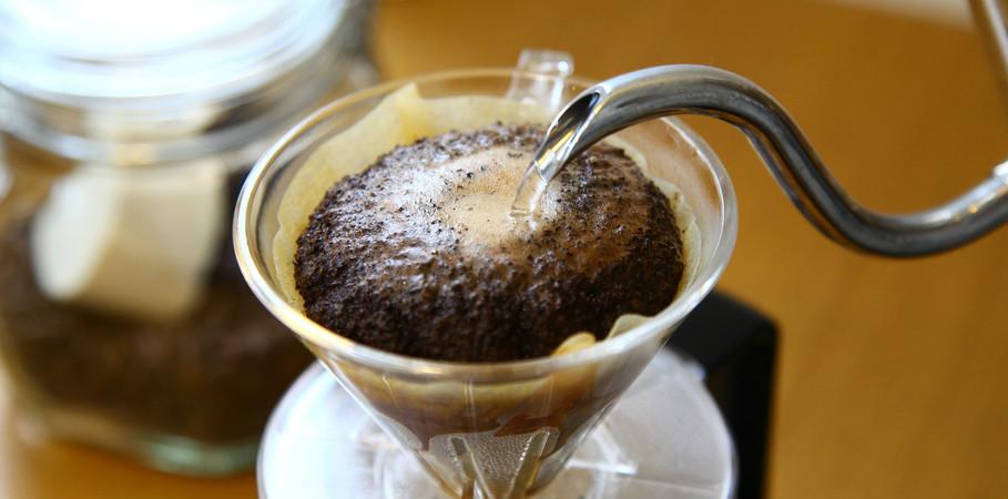【コーヒー党さん必見】コーヒー豆の賞味期限を延ばす保管術をご紹介のサムネイル画像