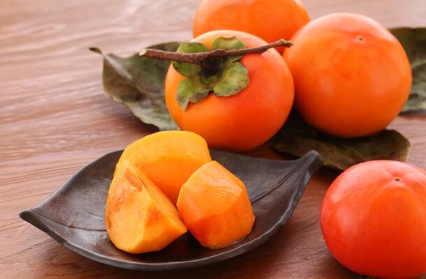 【柿の効果】柿を食べることで健康になれる?気になる柿の効果とは?のサムネイル画像