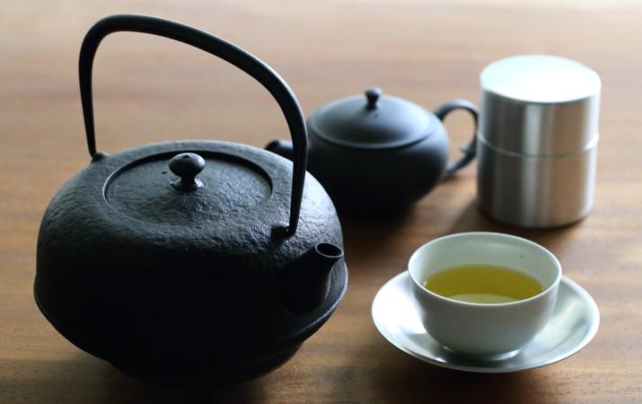 お湯が美味しい!日本の伝統がいま話題?鉄瓶の使い方はコチラ☆のサムネイル画像