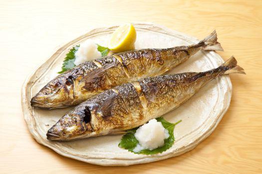 フライパンで魚を焼くのは難しい?おいしく魚を焼く焼き方をご紹介!のサムネイル画像