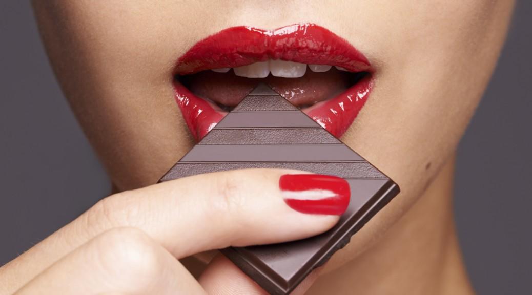 カカオ70%以上のチョコレートには、女子に嬉しい効果がたくさん。のサムネイル画像