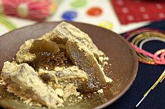 わらび餅の原料は?色の違いは?わらび餅に関するギモンに答えます!のサムネイル画像