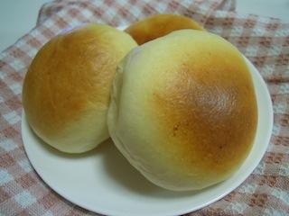 ちゃんとガス抜きすれば、手作りパンは、ふわふわできめ細かくなる!のサムネイル画像