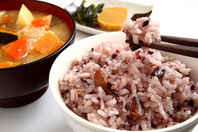 美味しく食べるだけのデトックス♡酵素玄米の嬉しい効果とは?のサムネイル画像