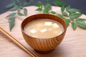 味噌汁健康法って知ってる?サプリを飲むなら味噌汁を食べよう!のサムネイル画像