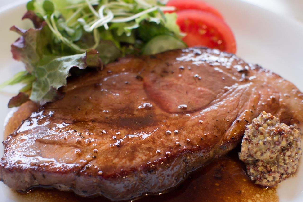 豚肉は「栄養価」「調理方法」「安価」が魅力的!ステーキに最適ですのサムネイル画像