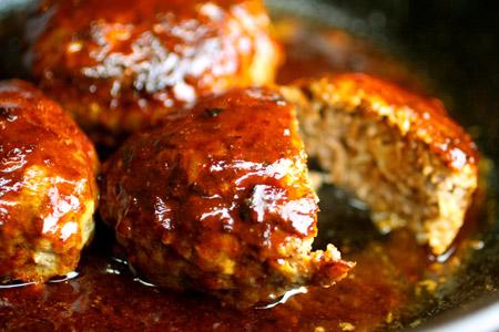 パン粉がなくても大丈夫!麩を使って絶品ハンバーグを作ろう!のサムネイル画像