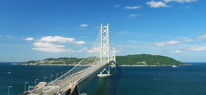 ワンハンドで名物にかぶりつこう♡淡路島の絶品ハンバーガー!のサムネイル画像