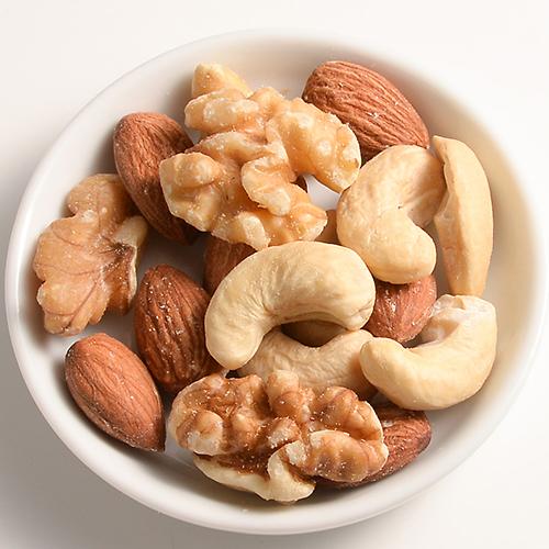 いま大注目の体にいいナッツ類♪気になるカロリー調べましたのサムネイル画像